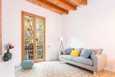 Уютная и светлая квартира в популярном районе Барселоны- L'Eixample
